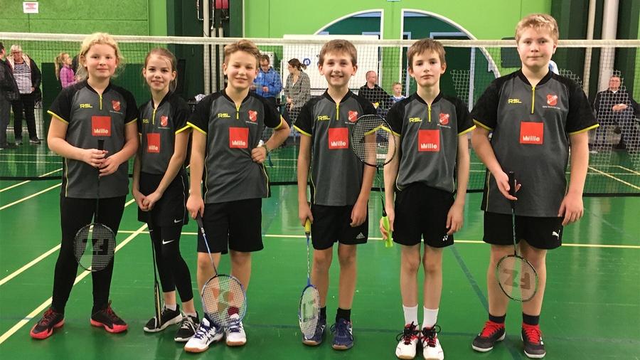 6 badminton ungdomsspillere