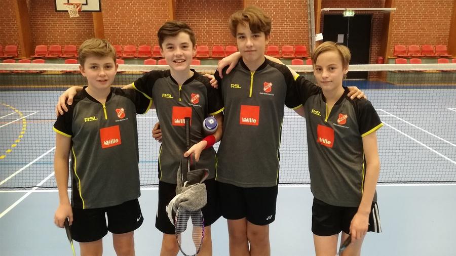 4 badminton ungdomsspillere